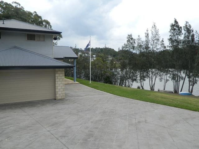 ATLANTIS WATERFRONT LAKE CONJOLA - Lake Conjola - Hus