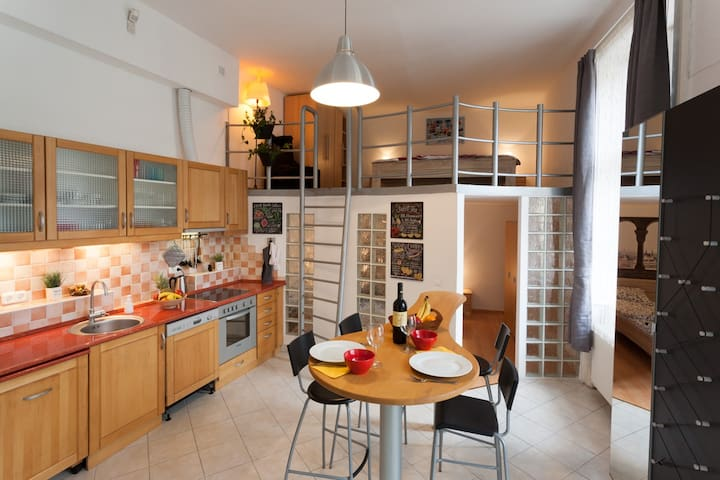 Feel at home - Bright & Cosy apartment in center