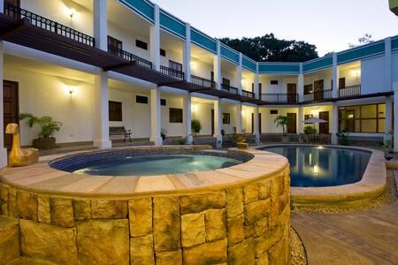 Hotel en Managua - Managua