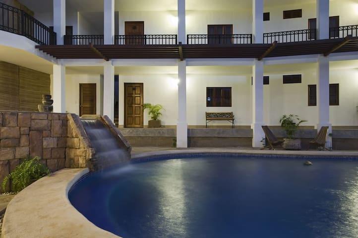 Comodo Hotel en Managua ( Con Desayuno Buffet )