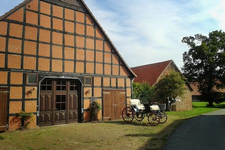 Großes naturnahes Bauernhaus - Brockum
