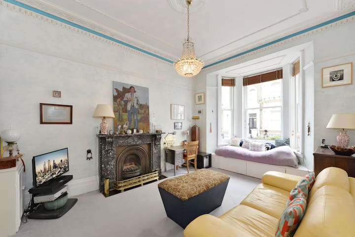 Charming spacious flat in Chelsea
