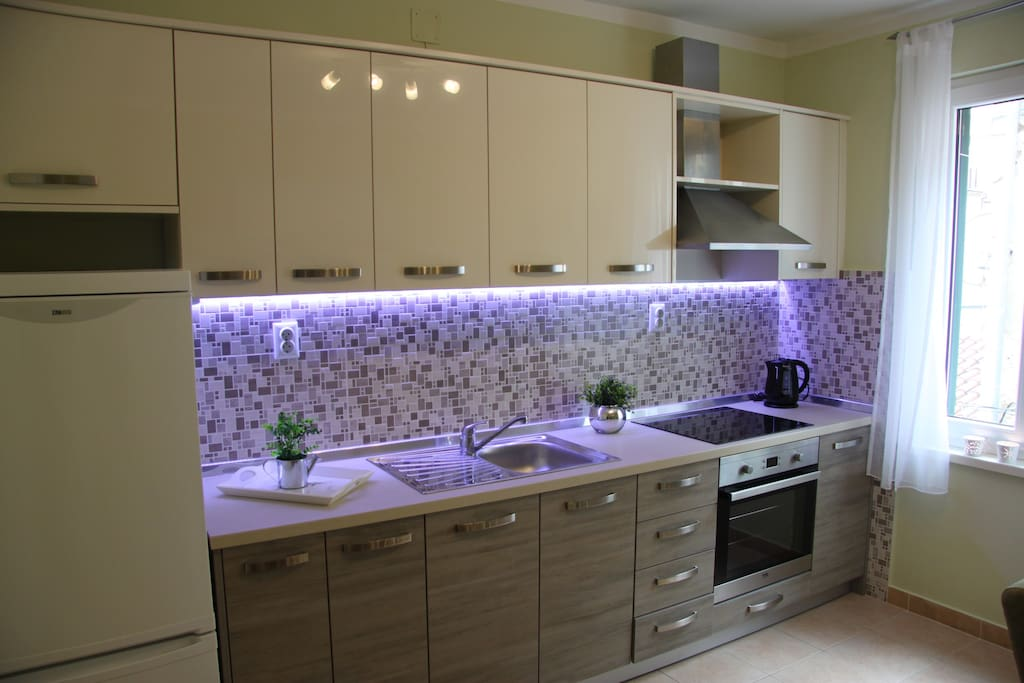 Fully equipped new kitchen.