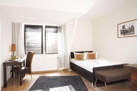 TOP Appartement citynah + parken - Osnabrück - Bed & Breakfast