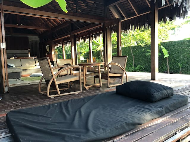 KOOYU VILLAS BEACHFRONT VILLA 1