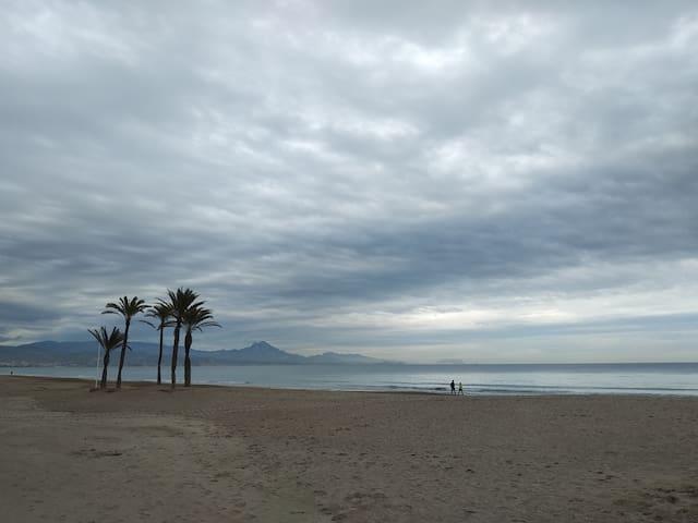Playa de San Juan en Noviembre.