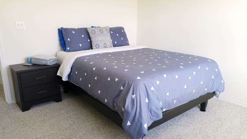 Good Night Sleep ★ Scenic BR in Gorgeous New Home