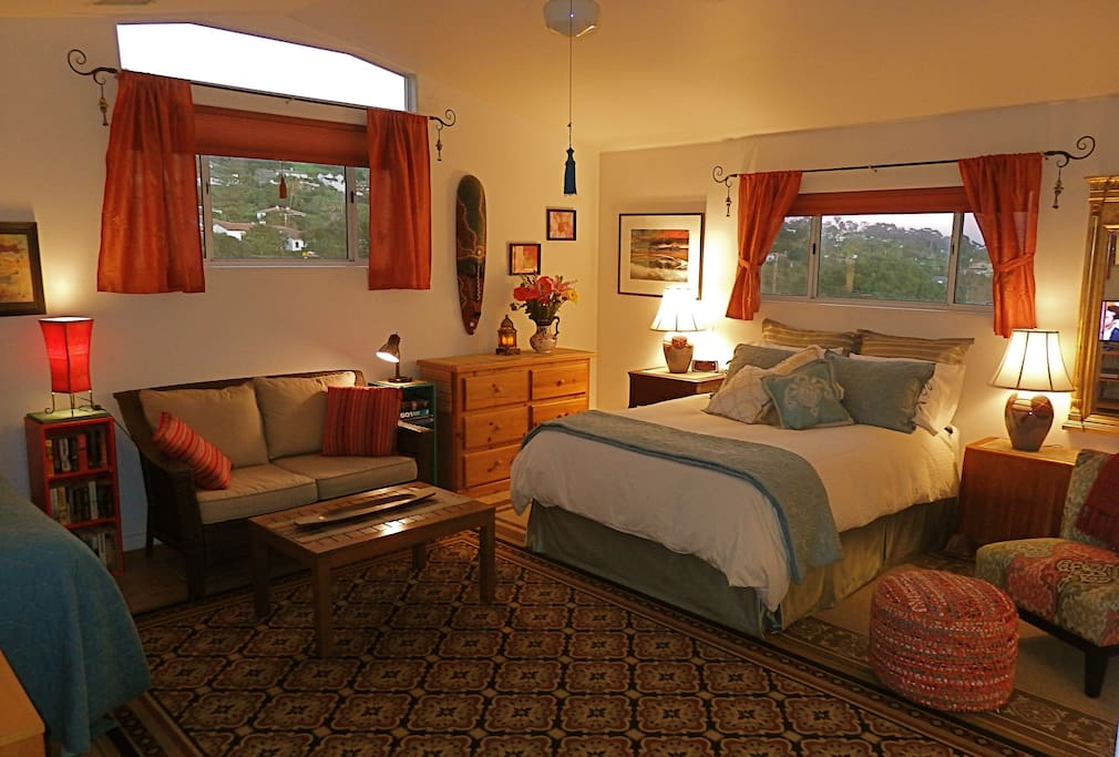 Grand Master Suite with Queen and Twin Beds and all the Amenities for your Comfort!
