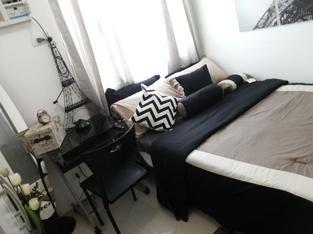 Luxury Condo Unit for LOW PRICE! - Mandaluyong - Flat