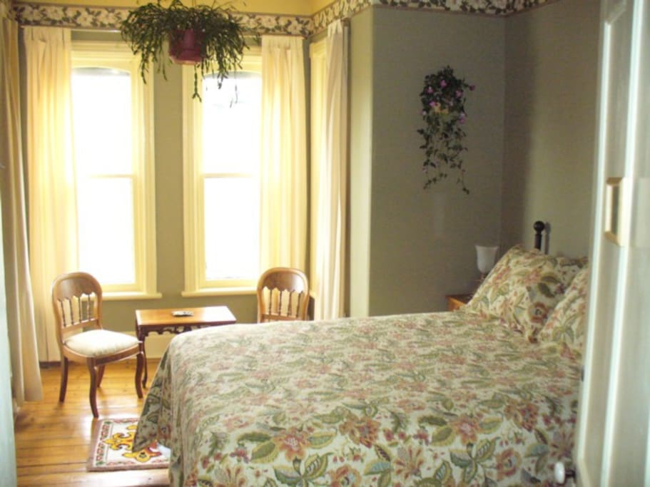 Meadow Room at the Flying Leap B&B