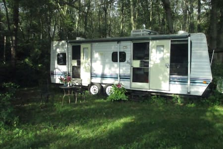 WorkingFarm Providence area Camper  - Rehoboth - Campingvogn