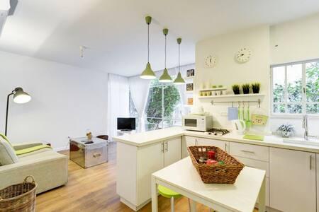 Newly Designed 1BDR by Hilton Bch. - Tel Aviv-Yafo - Apartment