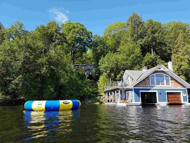Lakefront Rosseau Cottage w Boathouse & 3 decks!
