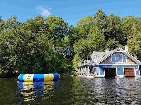 Lakefront Rosseau Cottage w Boathouse & 3 decks!