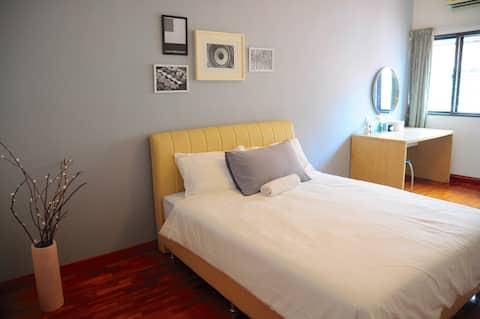 GRAYHAUS 32 Standard Queen Room @ Bandar Utama