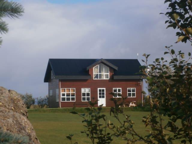 A house in Borgarfjordur - Borgarnes - Casa