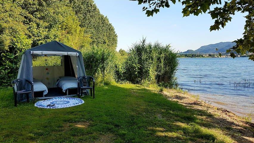 Ingerichte 2p.Tent aan het Comomeer! @Viasara