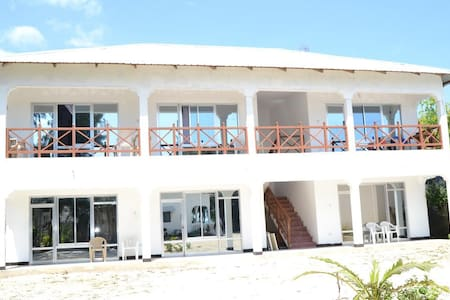 Union Beach Bungalow- Standard Rooms With Barth