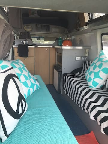 Luxurious campervan rental - Mount Annan