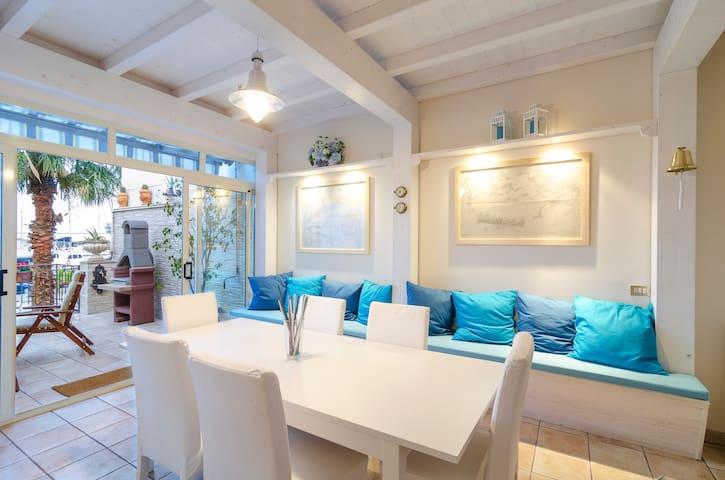 Splendida villa sul mare dell'Etna - Riposto - Villa