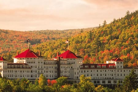BRETTON WOODS ON-MOUNTAIN HOME, WALK TO SLOPES - Bretton Woods - 独立屋
