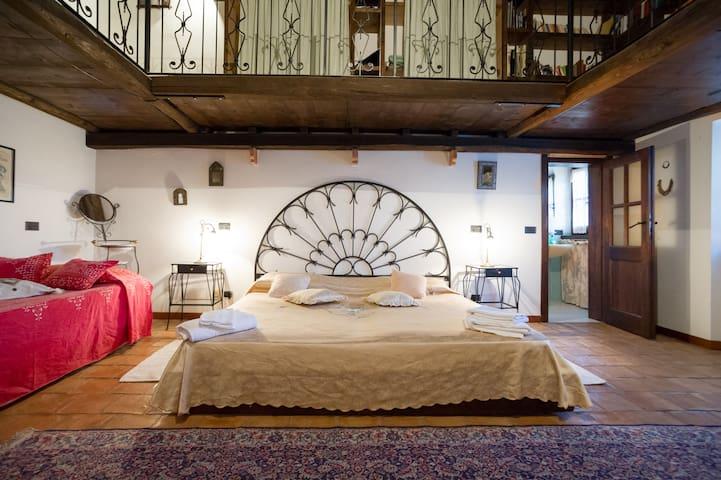 double/ Foursleeps big room with inside bath Perla first floor