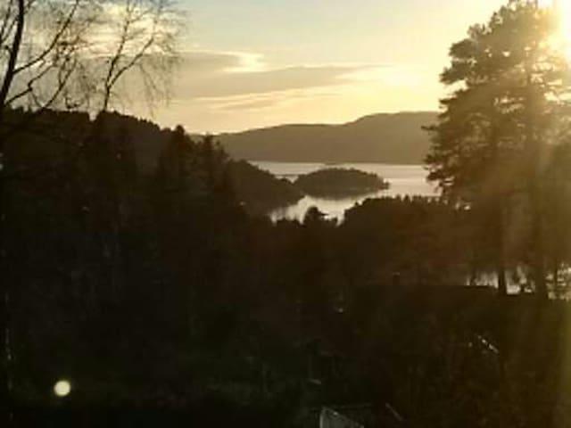 Hytte med sjøutsikt og nær fjorden - Frogn