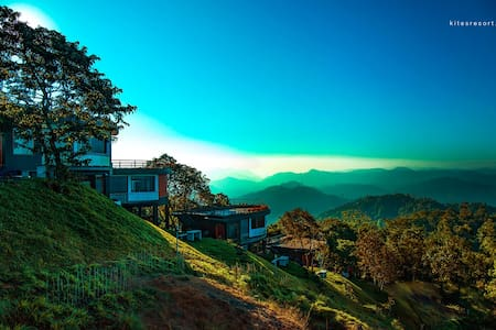 Jacuzzi Cottage in the sky's hues