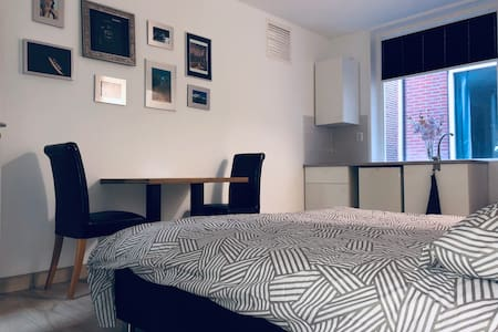 Fully furnished Studio6, 15min from Amsterdam City