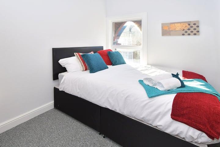 Townhouse @ 272 Walthall Street Crewe -Single Room