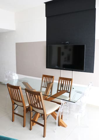 TV y comedor / TV and dinning room