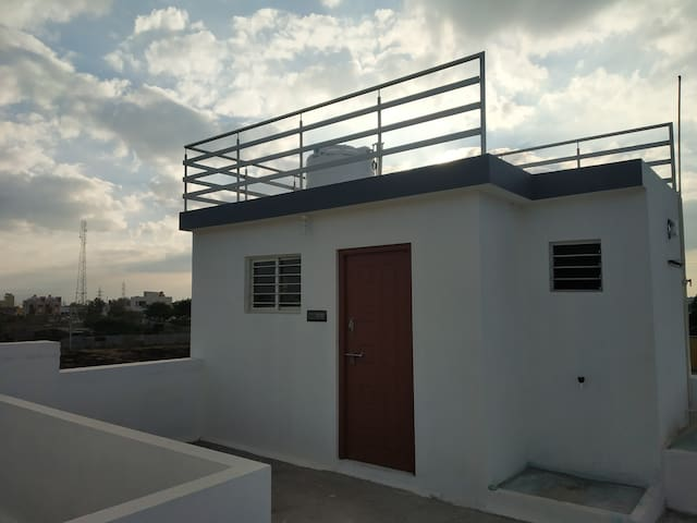 Single bedroom on second floor with beautiful view