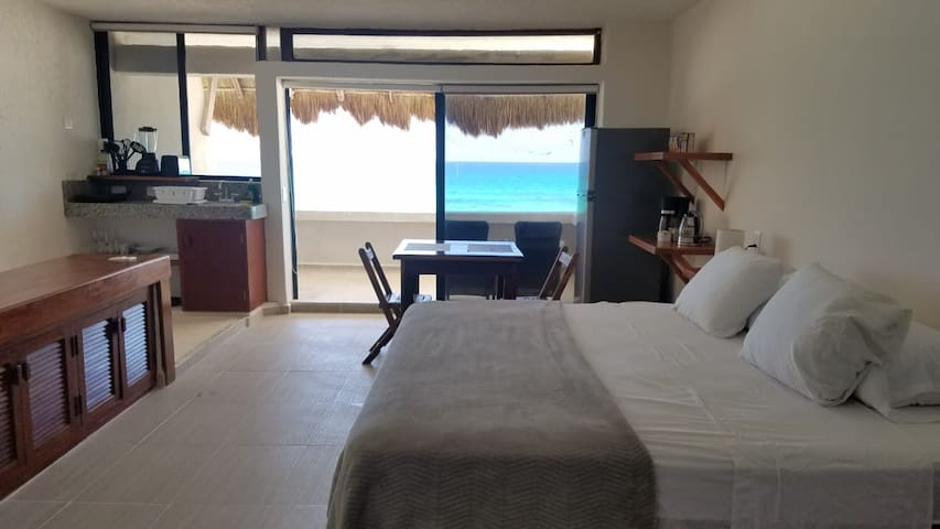 Loft w/ ocean view, Casa Kay, Playa del Secreto