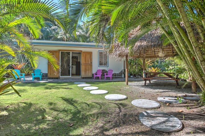 Beachfront Cozy 2 Bedrooms House - Puerto Viejo de Talamanca