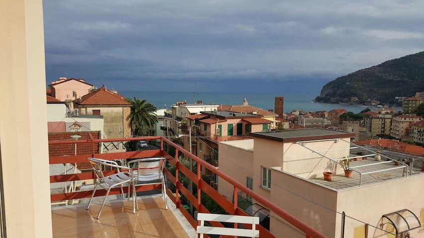 Appartam con terrazzo vista mare - Noli - 公寓