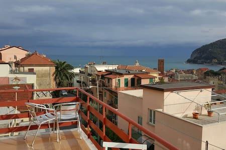 Appartam con terrazzo vista mare - Noli - Apartmen