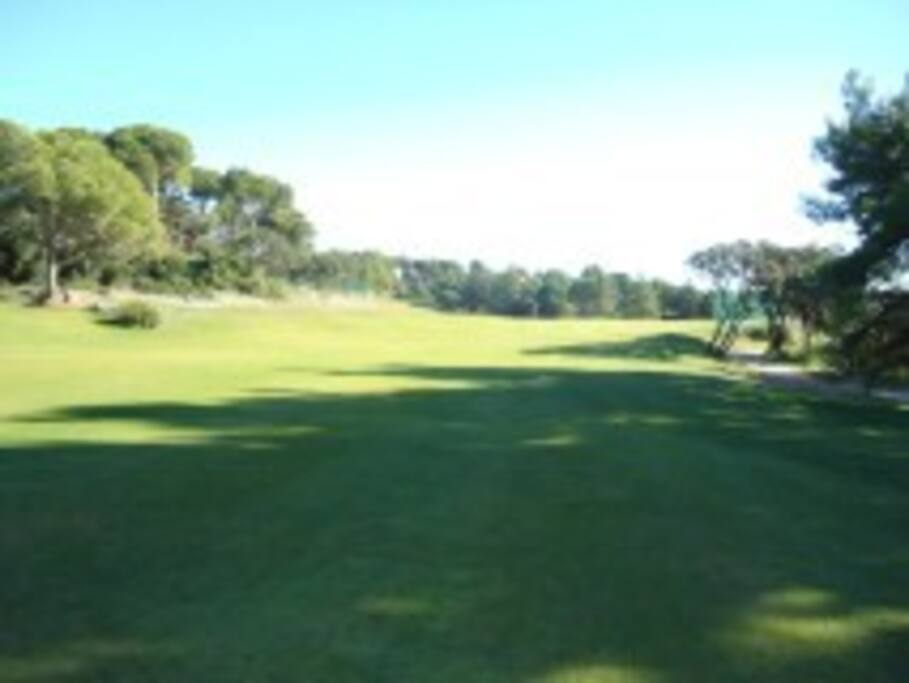 Golf St Thomas just 5 mins walk from the apartment