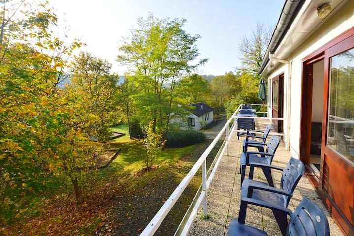 Cosy Mosan Cottage near Dinant with swimming pool!