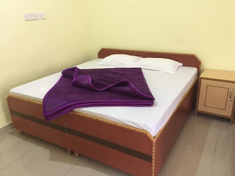 Accommodation for 3 adults in Tea State Bir billng