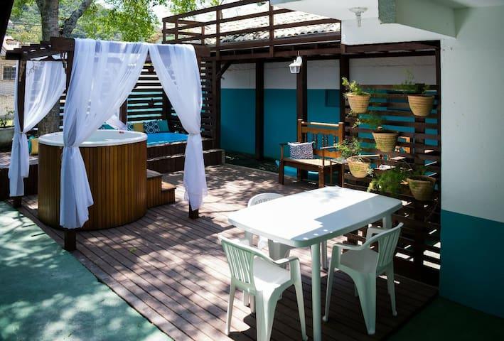 Residencial Agatha em Bombinhas - SC, Chalé