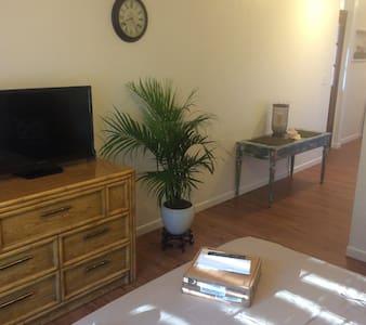 Efficiency for Rent - Longview - House