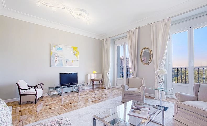 WONDERFULL VIEWS AND PRIME LOCATION IN MADRID!!!!