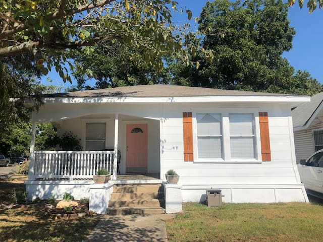 Clay Cottage- Magnolia, Baylor, Downtown Waco