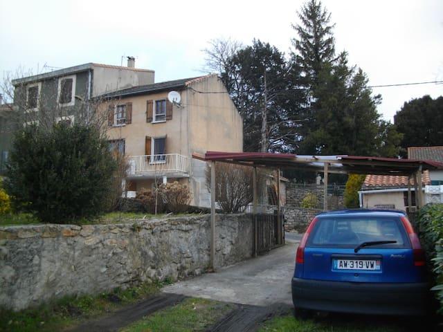 Montagne Noire - Fontiers-Cabardès - Huis