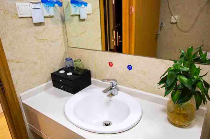 易家精品银泰,万达商圈,高档公寓式酒店
