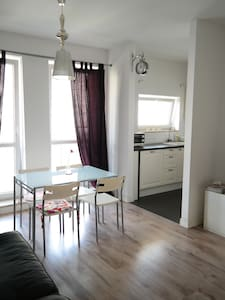 2 rooms & garage nearby Old Town! - Warsaw - Apartment