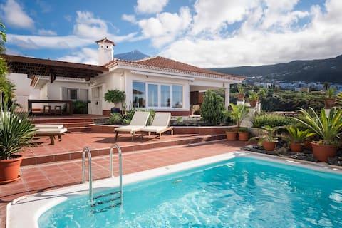 Piscina, terraza y jardín, barbacoa, vistas [G]