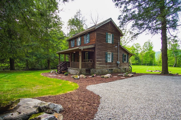 Escape this summer to this cabin in the woods!