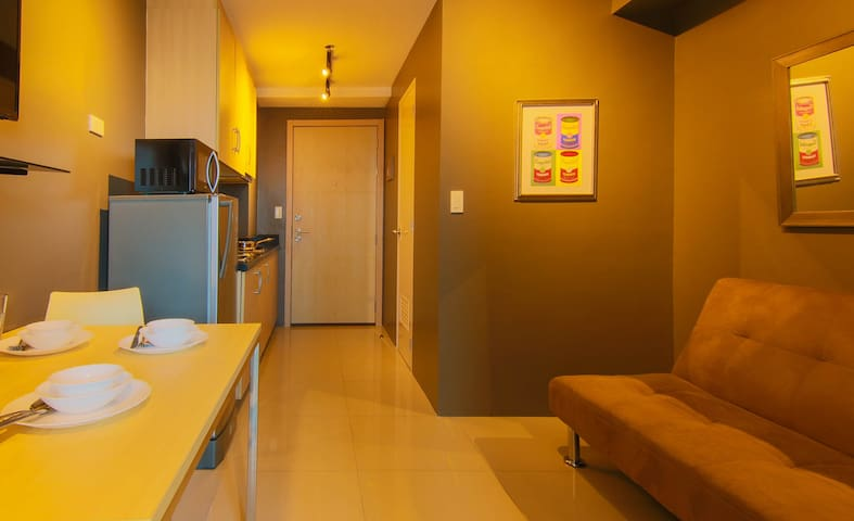 Modern 1BR Light Residences + WiFi 30MBPS!!!