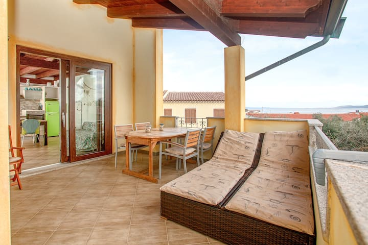 Mediterranean Appartamento Palma with Garden, Terrace & Sea View; Parking Available